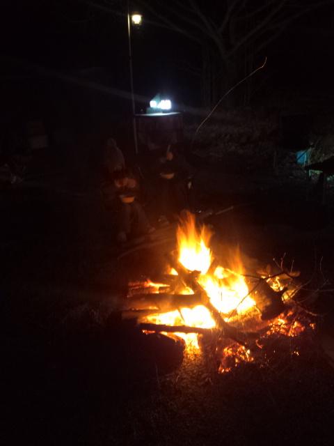 金曜焚き火の会なう